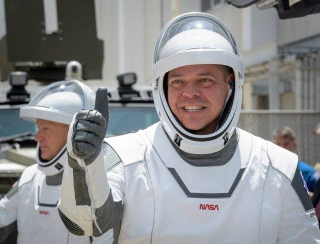 SpaceX-in pilotlu uçuşu